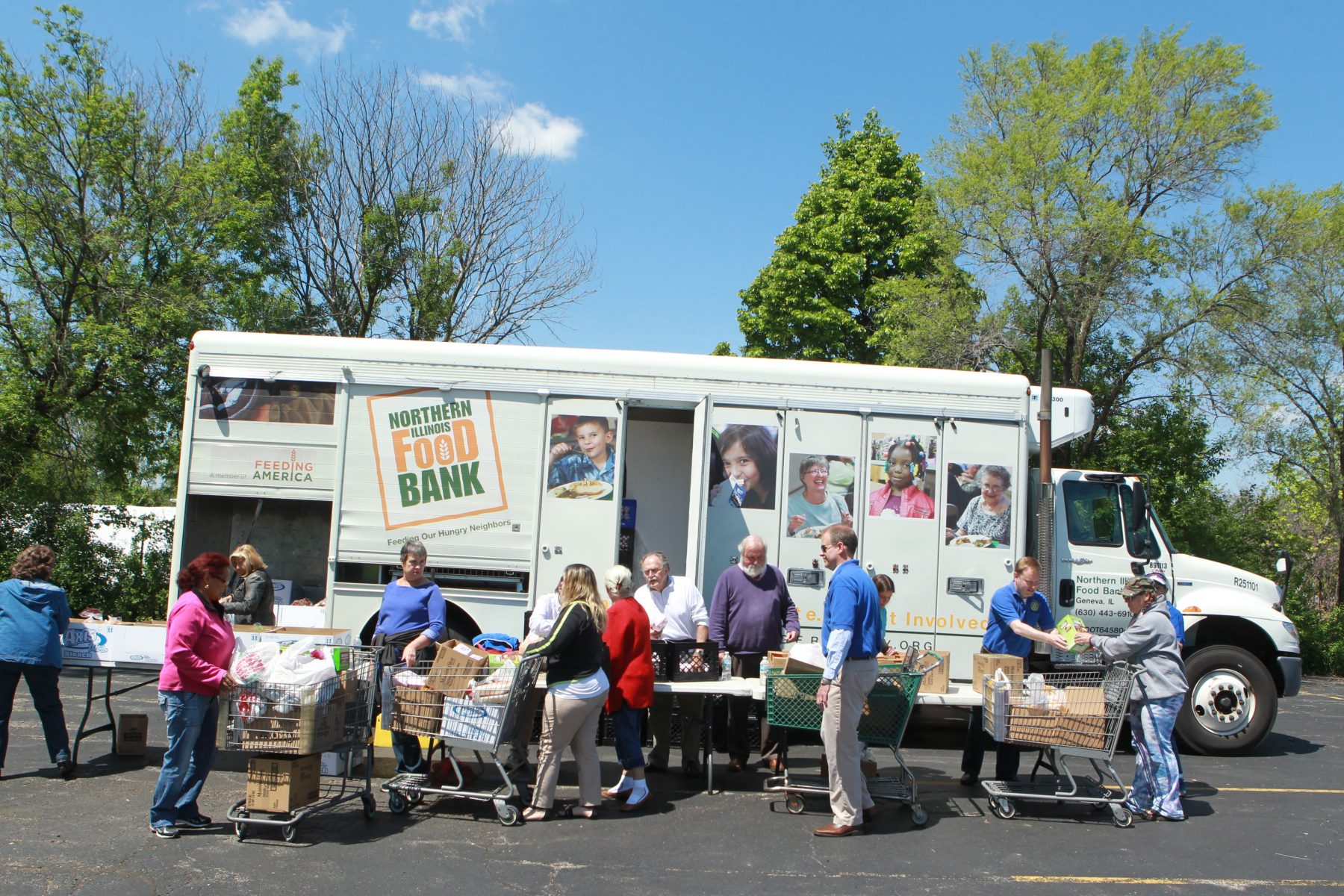 Northern illinois food bank receives 35750 investment for Woodridge food pantry il